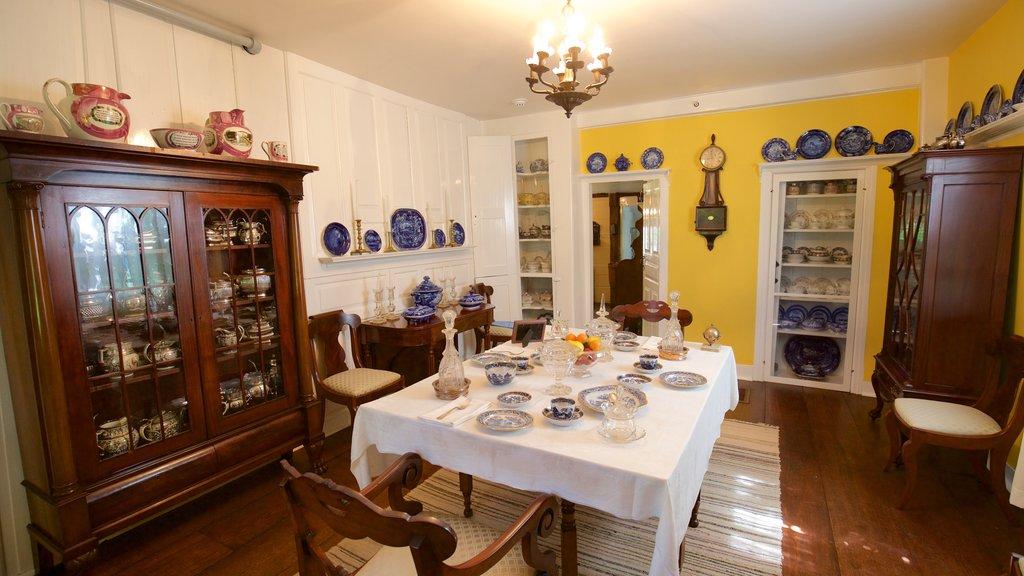 Museo Home Sweet Home ofreciendo elementos del patrimonio, una casa y vistas interiores
