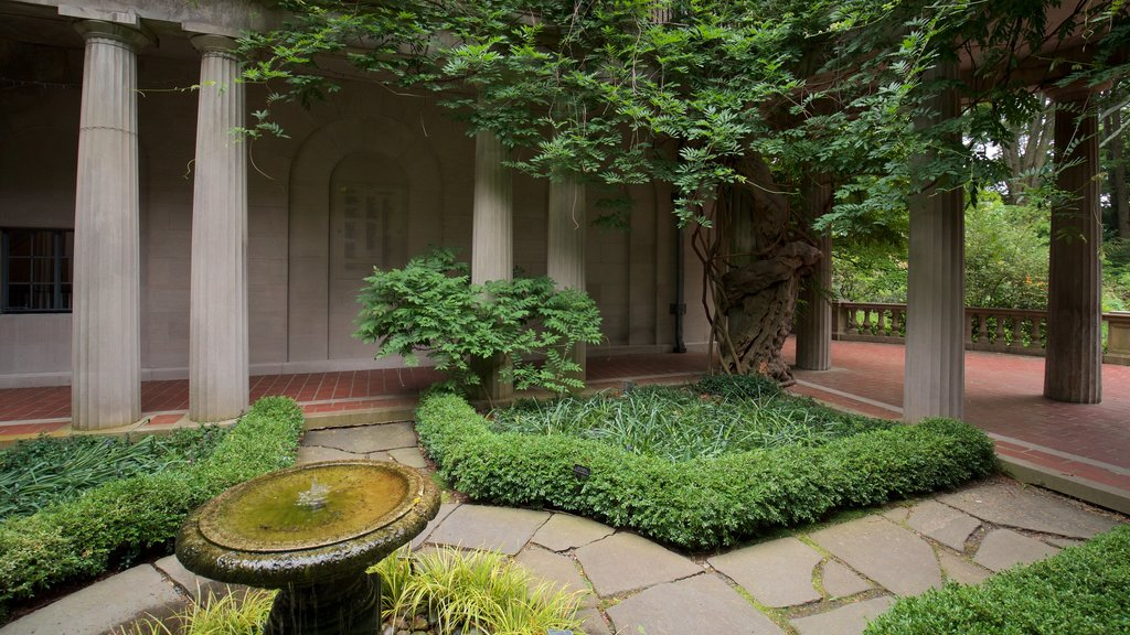 Van Vleck House & Gardens which includes a park