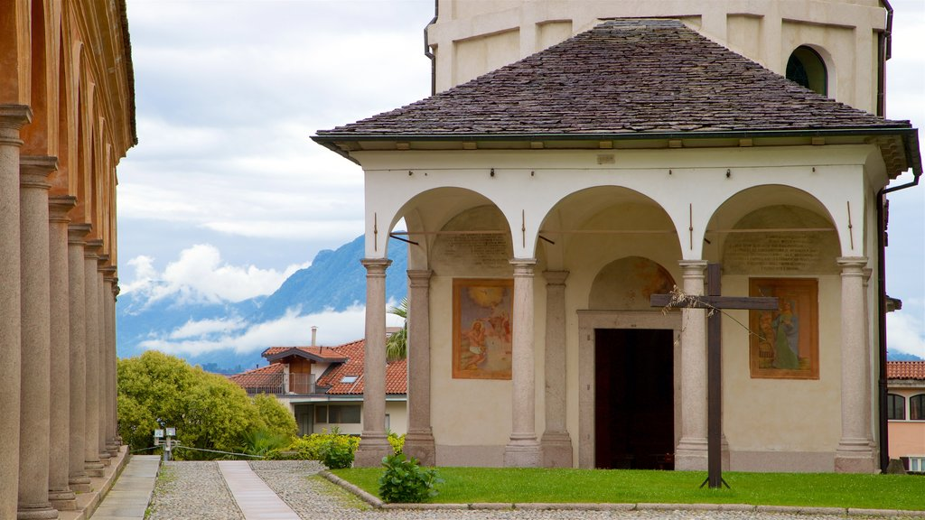 Church of Saints Gervase and Protaso which includes art and heritage elements
