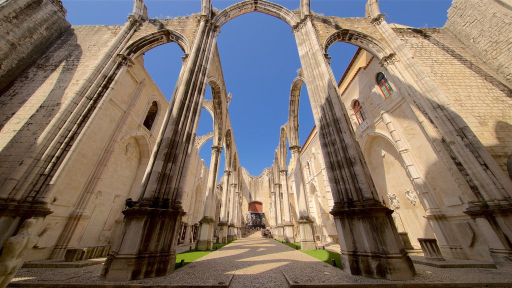 Carmo Convent featuring heritage architecture