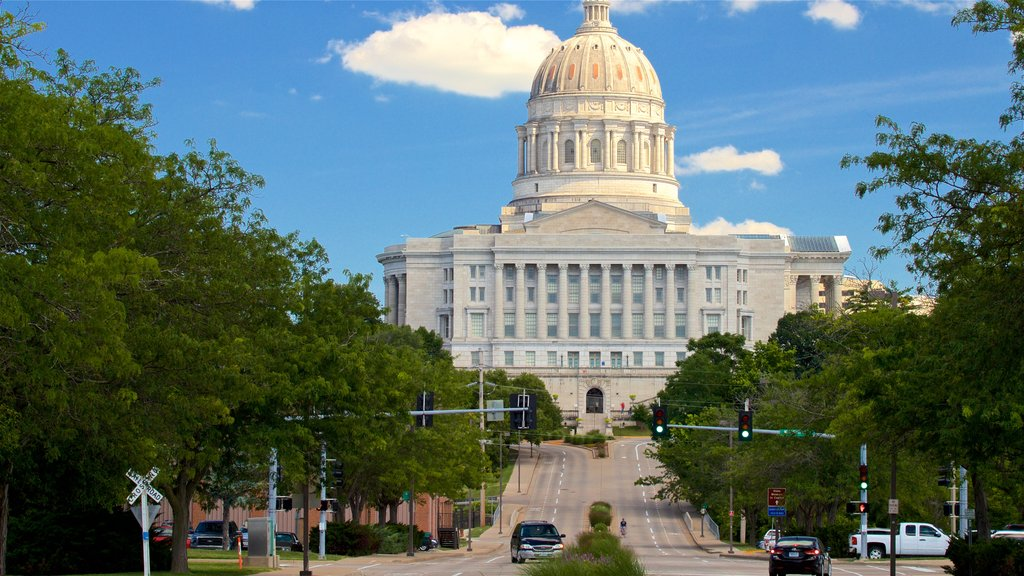 Missouri State Capitol showing heritage architecture