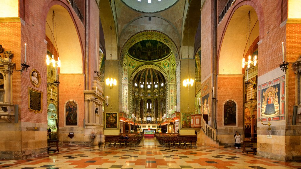 Basilica di Sant\'Antonio da Padova featuring a church or cathedral, interior views and heritage elements