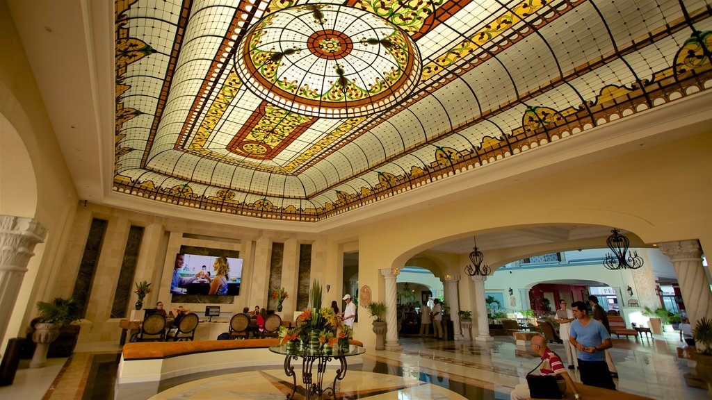 Cancun showing interior views and heritage elements