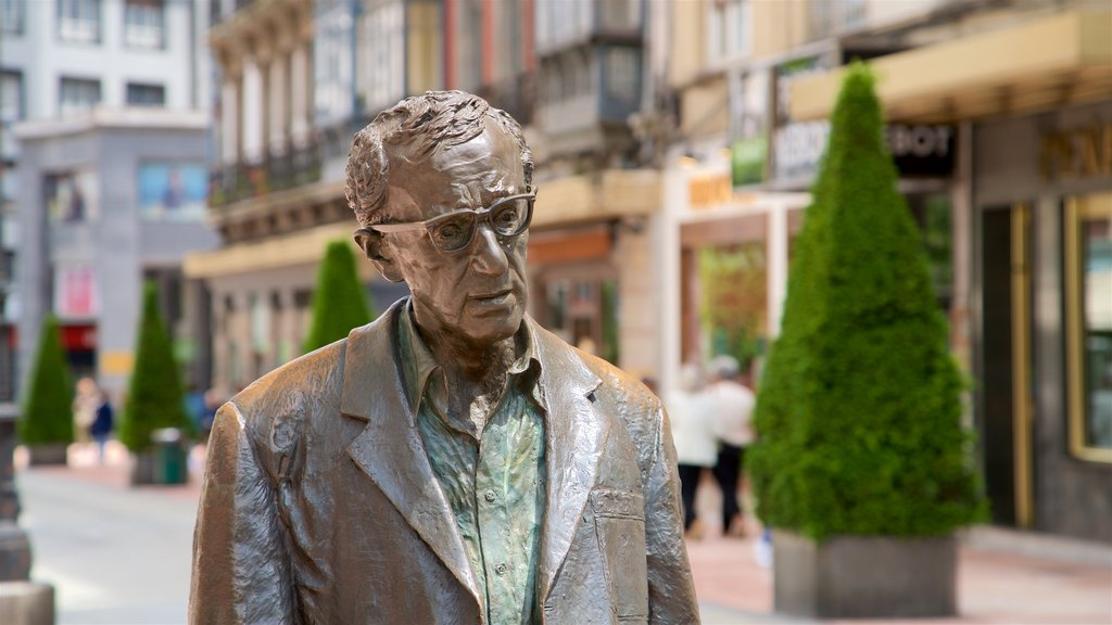 Woody Allen Statue showing a statue or sculpture