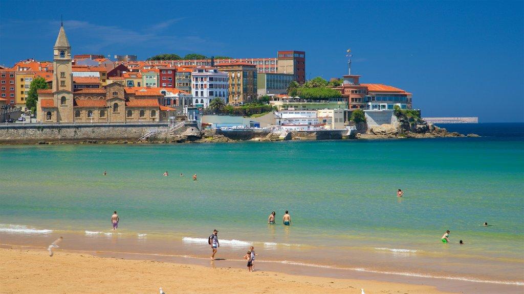 San Lorenzo Beach showing a coastal town, a city and a beach