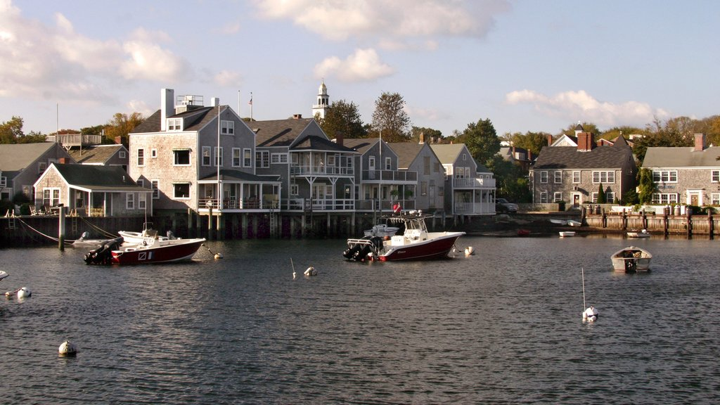 Nantucket which includes a coastal town, heritage architecture and a bay or harbor