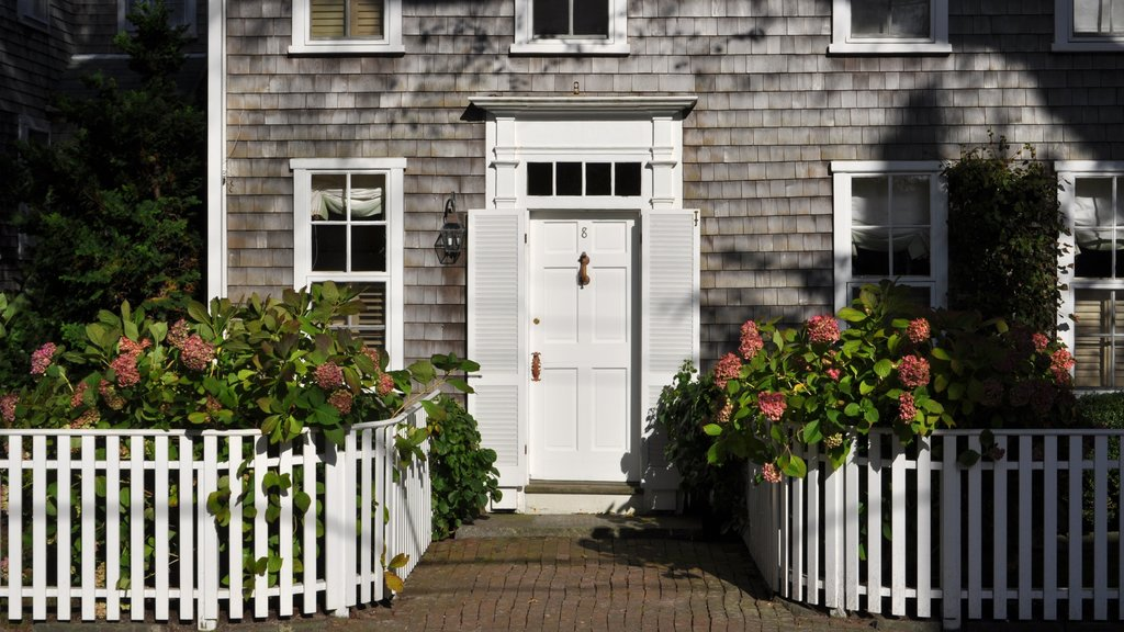 Nantucket featuring flowers and a house