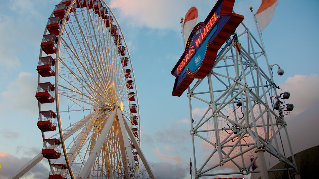 Navy Pier which includes rides