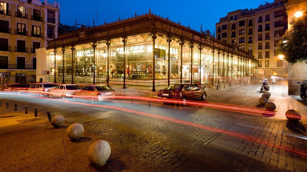 Mercado de San Miguel showing night scenes, markets and cbd