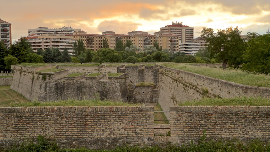 Ciudadela showing landscape views, a city and heritage elements