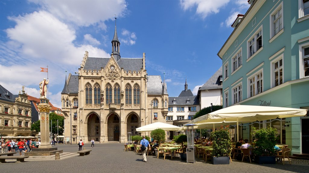 Rathaus showing street scenes, heritage architecture and a square or plaza