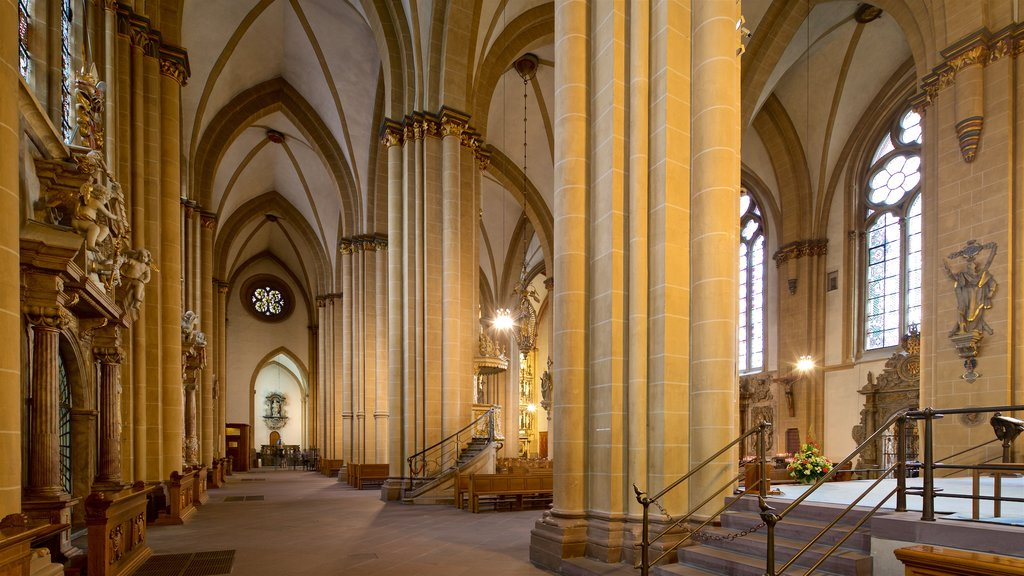 Paderborn Cathedral which includes interior views, a church or cathedral and heritage elements