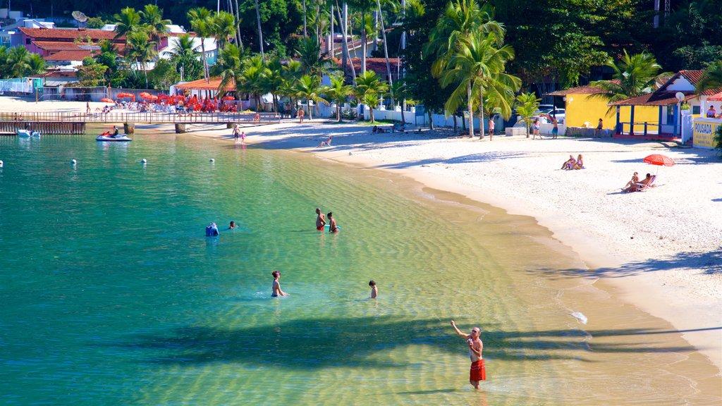 Angra dos Reis que inclui uma praia, paisagens litorâneas e natação