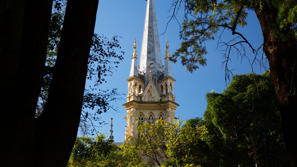Boa Viagem Cathedral which includes heritage architecture