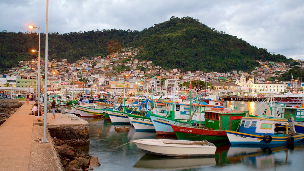 Angra dos Reis which includes a bay or harbor and a coastal town