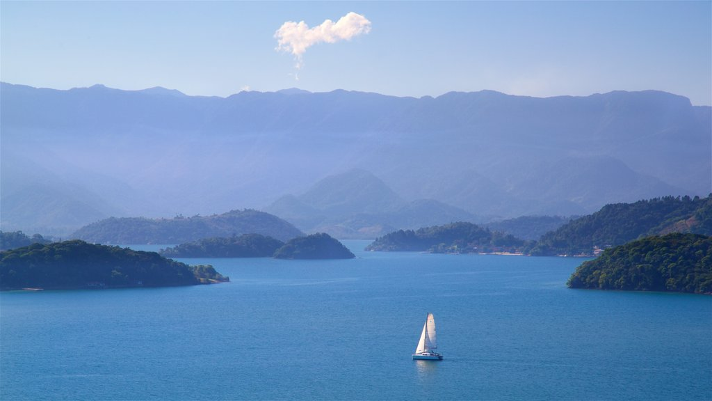 Angra dos Reis which includes island views, general coastal views and landscape views