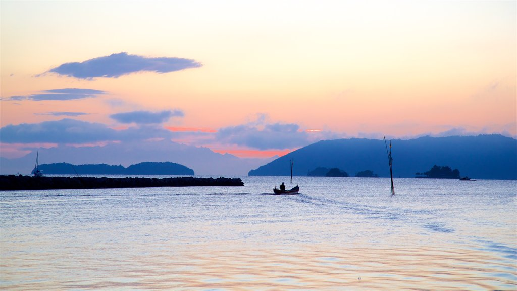 Paraty showing boating, general coastal views and a sunset