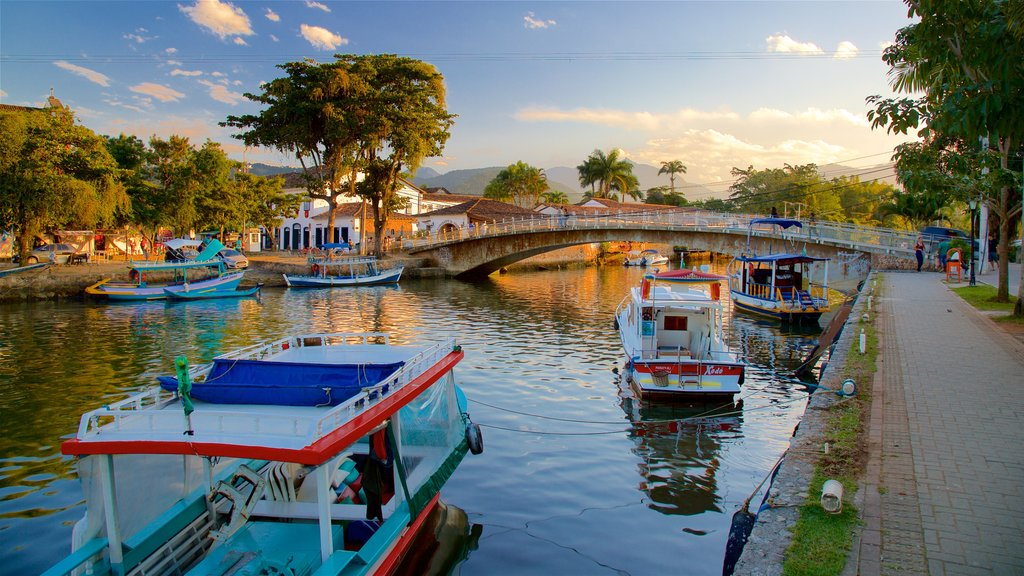 Paraty which includes a bridge and a river or creek
