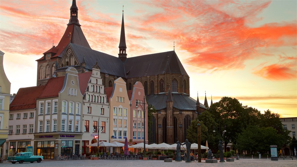 Marienkirche showing heritage architecture and a sunset