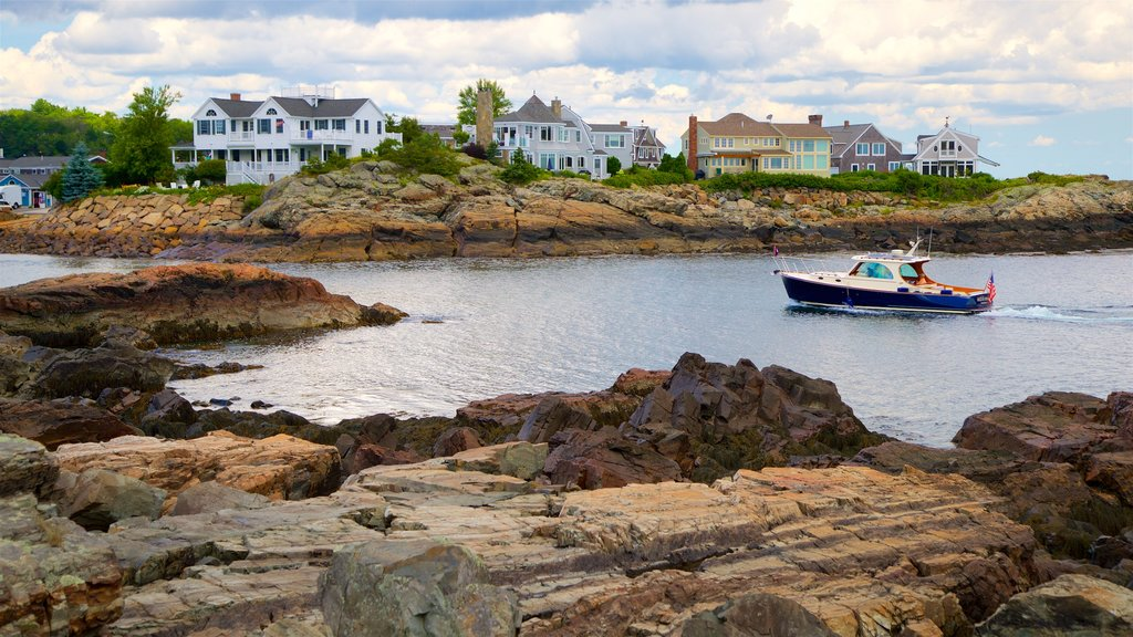 Ogunquit showing boating, rocky coastline and general coastal views