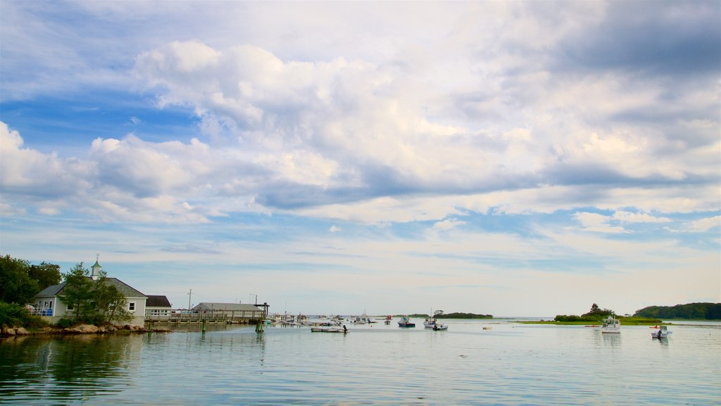 Cape Porpoise ofreciendo un lago o abrevadero y una bahía o puerto