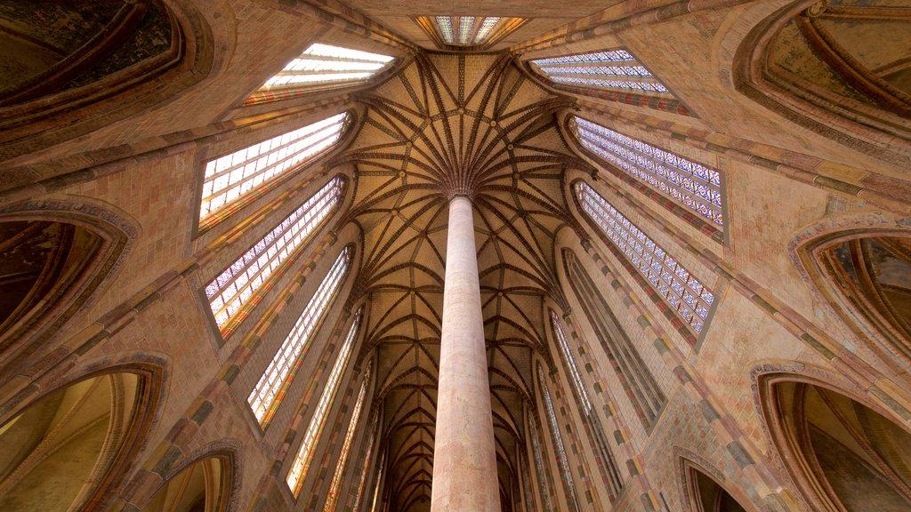 Iglesia de los Jacobinos que incluye vistas interiores y elementos del patrimonio