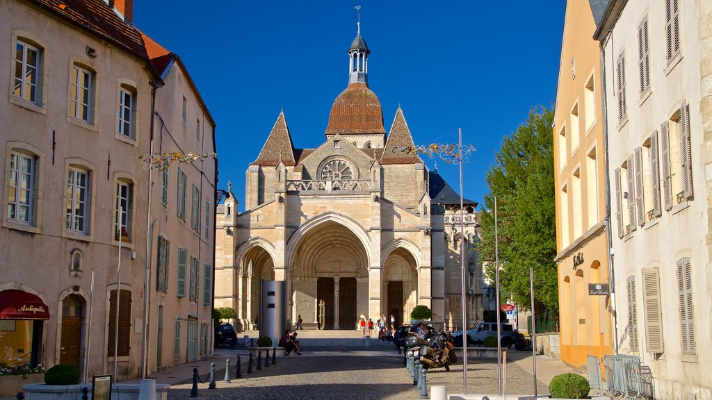 Collegiate Church of Notre-Dame featuring a church or cathedral and heritage architecture