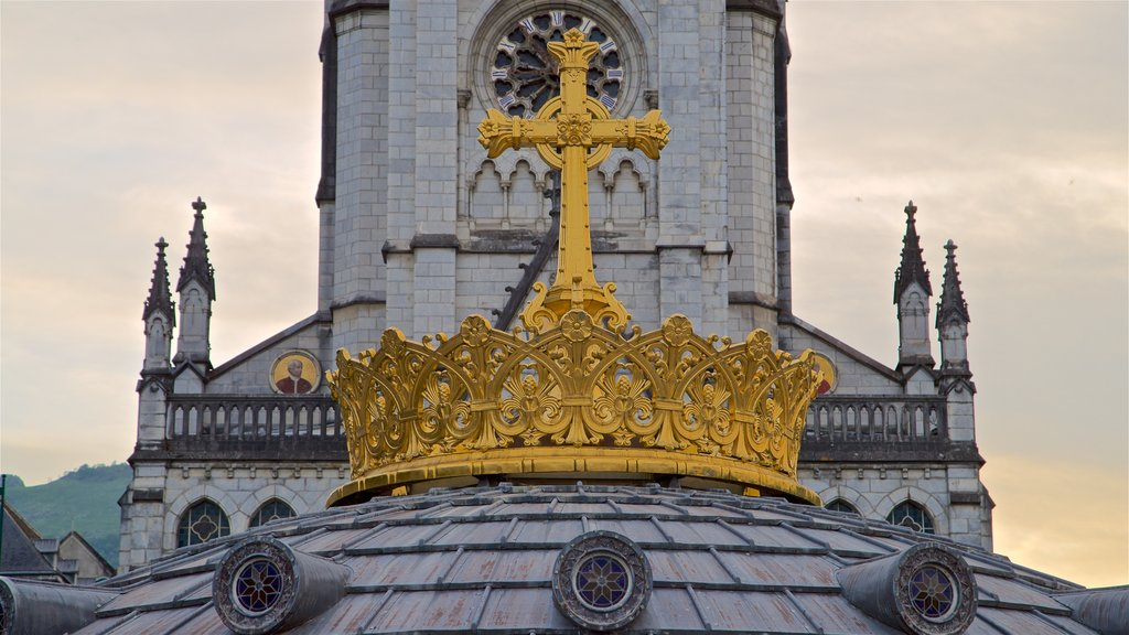 Notre-Dame de l\'Immaculee-Conception showing heritage elements, religious aspects and a sunset