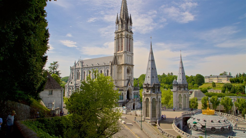 Notre-Dame de l\'Immaculee-Conception showing heritage architecture and a church or cathedral