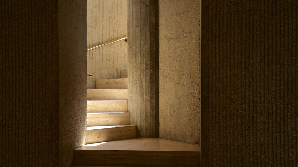 Des Moines Art Center showing interior views