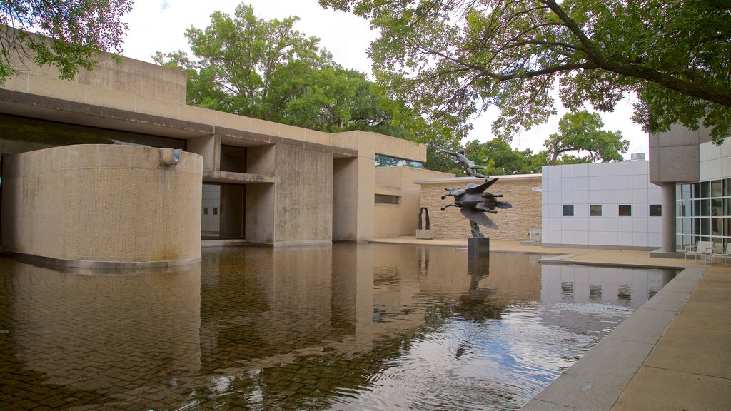 Des Moines Art Center which includes outdoor art and a pond