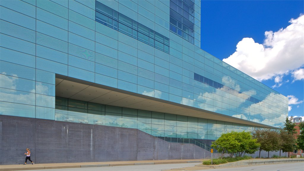 Figge Art Museum which includes modern architecture