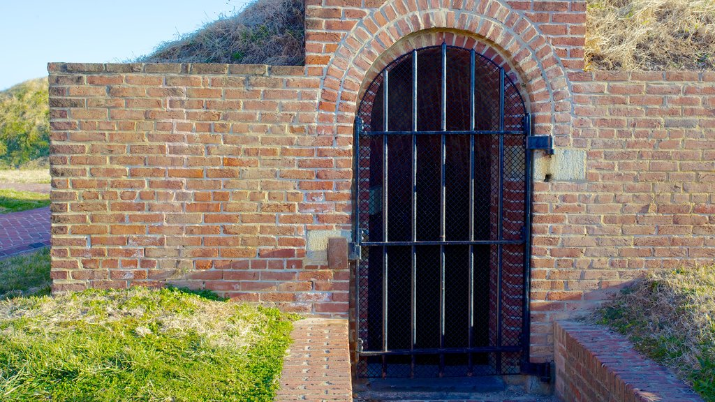 Fort McHenry which includes heritage architecture