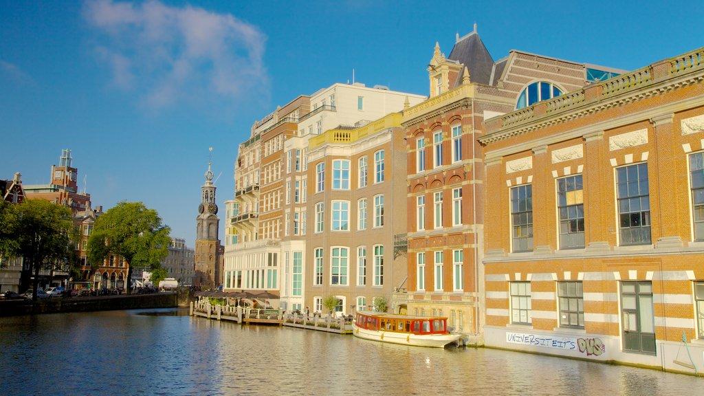 Muntplein mostrando una ciudad, un río o arroyo y patrimonio de arquitectura