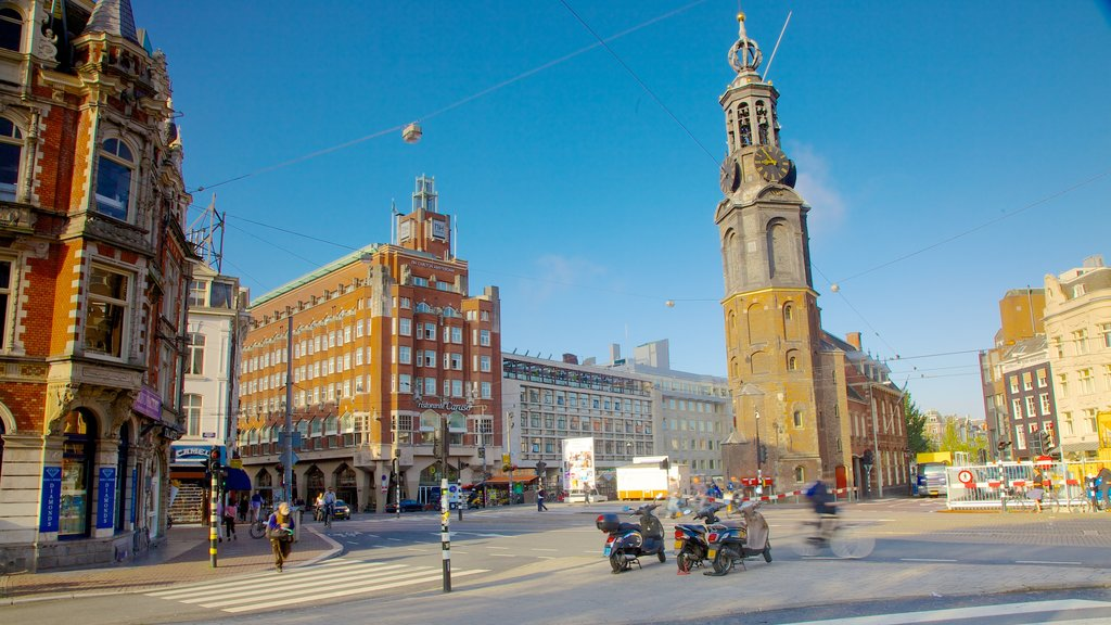 Muntplein which includes a monument, heritage architecture and a city