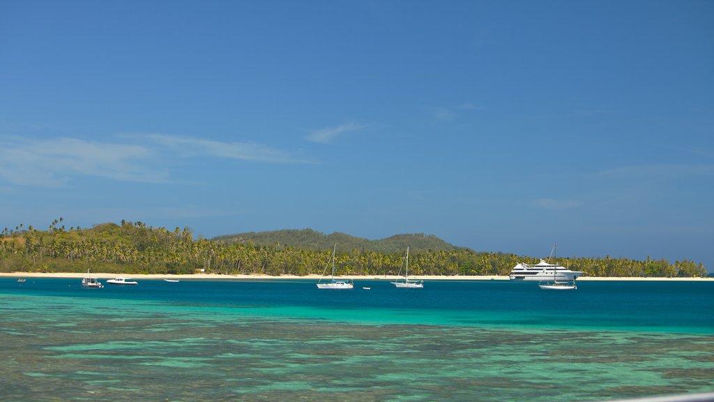 Nacula Island showing landscape views, boating and general coastal views