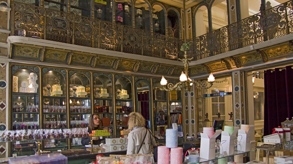 Lille showing interior views
