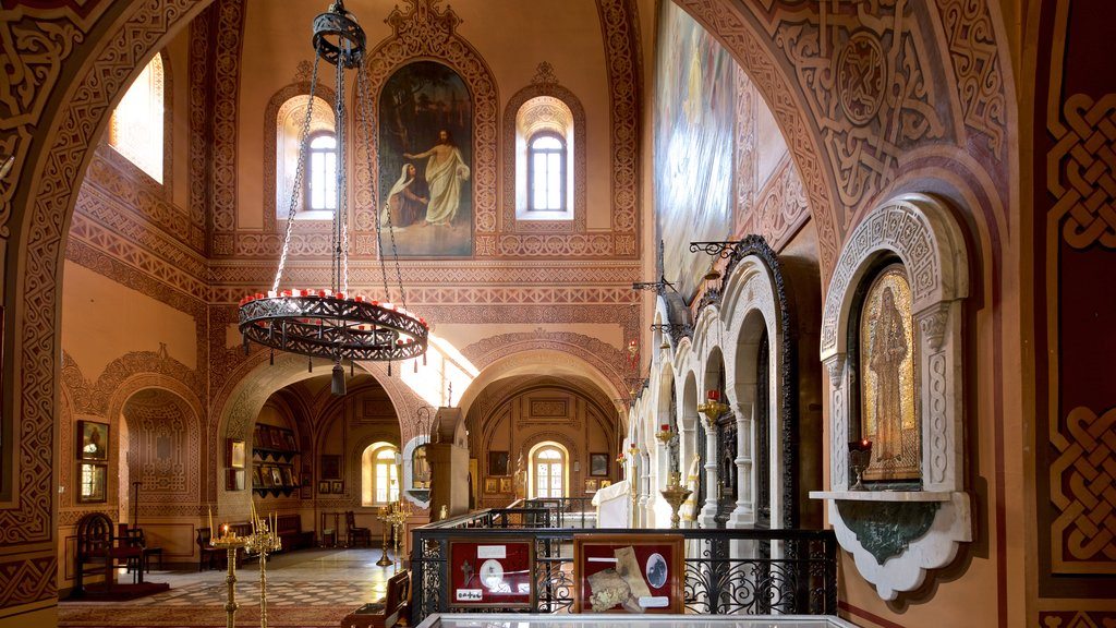 Church of Mary Magdalene which includes art, heritage elements and interior views