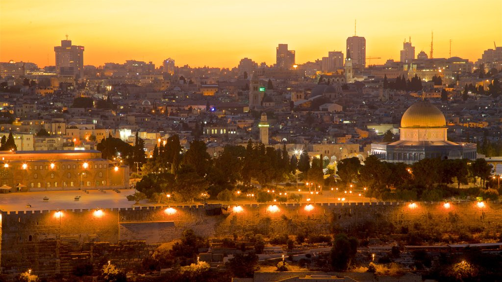 Temple Mount which includes landscape views, heritage architecture and a city