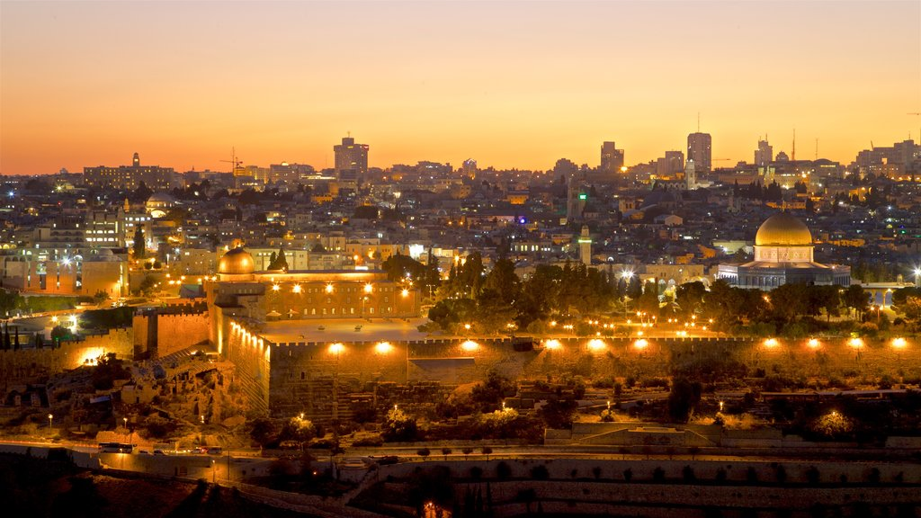 Temple Mount showing landscape views, a sunset and heritage architecture