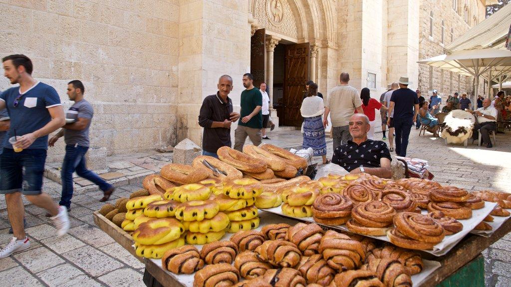 Mahane Yehuda Market showing food, street scenes and markets