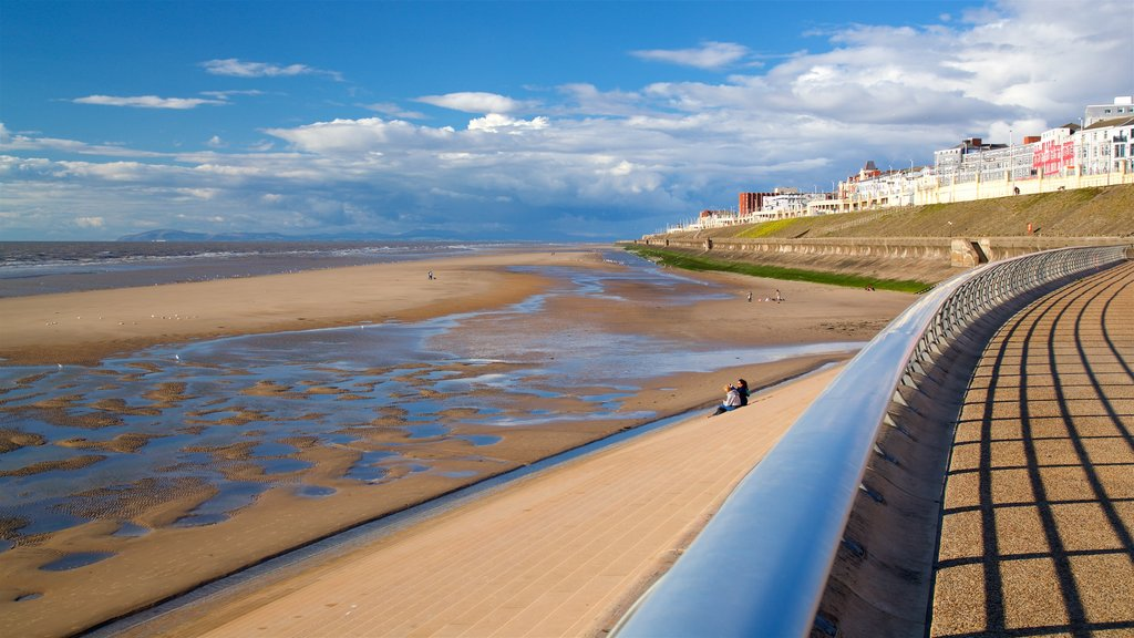 Blackpool North Shore Beach which includes a coastal town, general coastal views and a beach