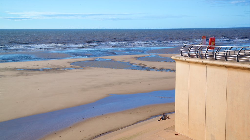 Blackpool North Shore Beach which includes landscape views, general coastal views and a beach