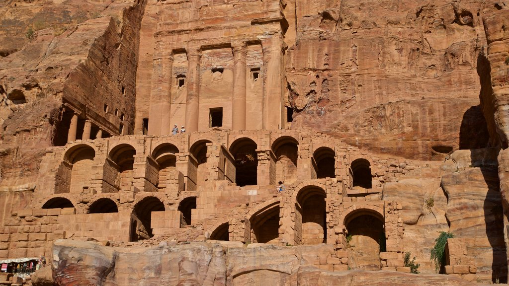 Wadi Musa which includes a ruin and heritage architecture