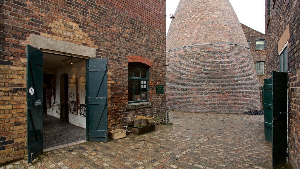 Gladstone Pottery Museum which includes heritage elements