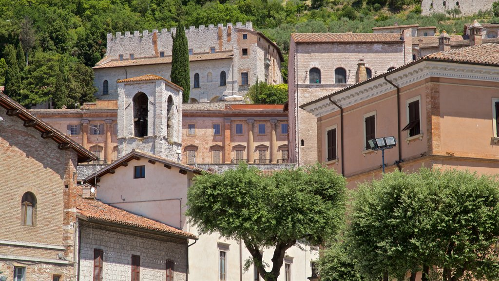 Gubbio featuring heritage elements and a city