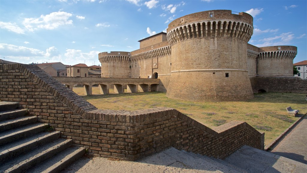 Rocca Roveresca di Senigallia which includes chateau or palace and heritage architecture