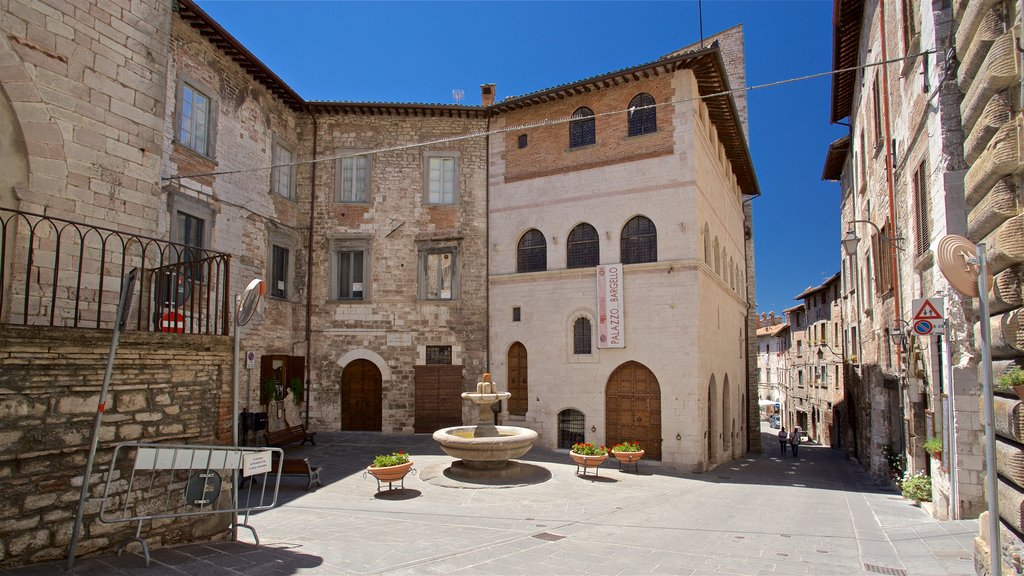 Gubbio featuring a fountain and heritage elements