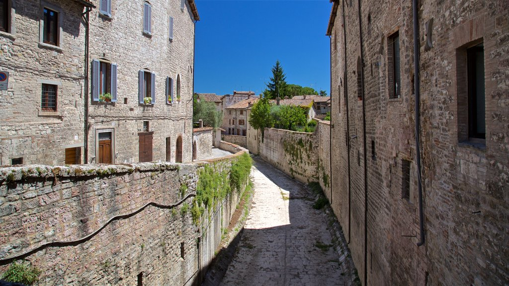 Gubbio featuring heritage elements