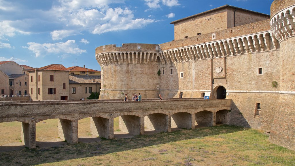 Rocca Roveresca di Senigallia showing a castle, heritage architecture and a bridge